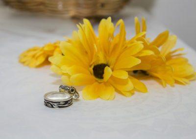 specially designed sunflower wedding rings & sunflowers